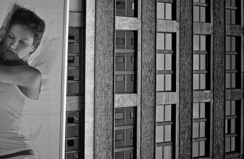 Sweet Dreams Streetphoto_bw Blackandwhite Monochrome Urban Life Let's Do It Chic! Flip