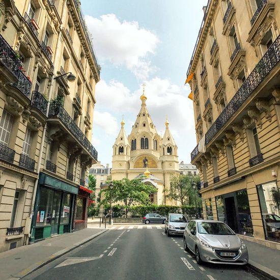 Happy Sunday! Bonjour Paris! Architecture Place Of Worship Religion Travel Destinations Summertime Paris EyeEm Best Shots Parisweloveyou Photooftheday Paris ❤