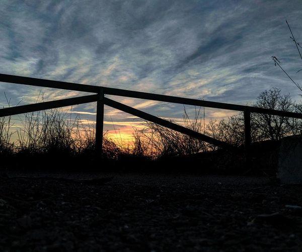 Non mi stancherò mai di fotografare questi colori. Sunset Sunlight Sky Nature First Eyeem Photo