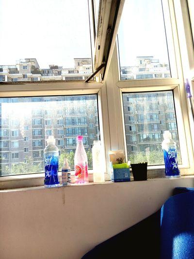 窗外的风景 ,压抑,单调 窗外