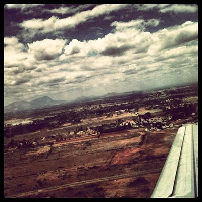 iFlew ✈ 3GS Iphone3gs Plane Airplane Follow Popularpage Popular Editoftheday Picoftheday Photooftheday Igers IPhoneography Iphoneonly Sky Clouds Mountains
