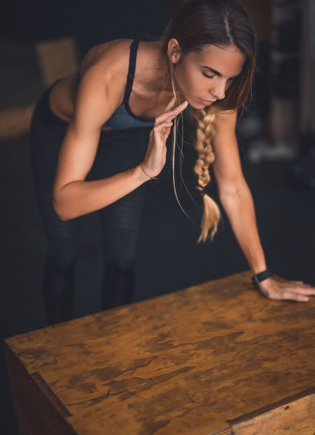 Beautiful Girl Exercising Indoor Activities Musculation  Squat Blonde Exercising Cross Training Crossfit Crossfit Girl Energy Indoors  Kettlebell  Lifestyles Muscular Build One Person People Real People Sport Clothing Stretching Training Weightlifting Workout Young Women