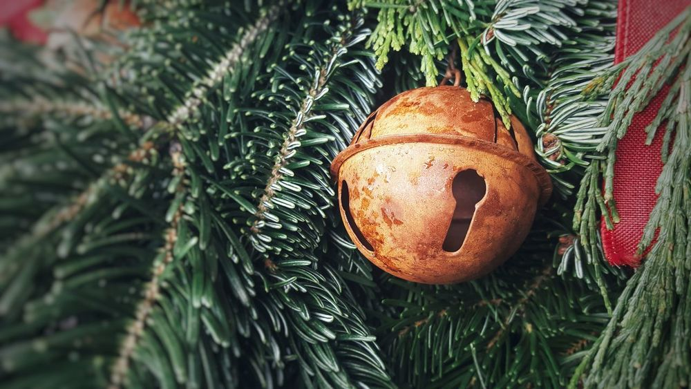 Christmas Bell Bell Bells Christmas Bell Xmas Xmas Decorations Wreath Wreaths Rustic Rustic Style Rusty Rust Rusty Metal Tree Christmas Christmas Decoration Close-up Green Color Bauble Christmas Ornament Decorating The Christmas Tree Religious Event Christmas Bauble christmas tree Ornament Decoration Celebration Event