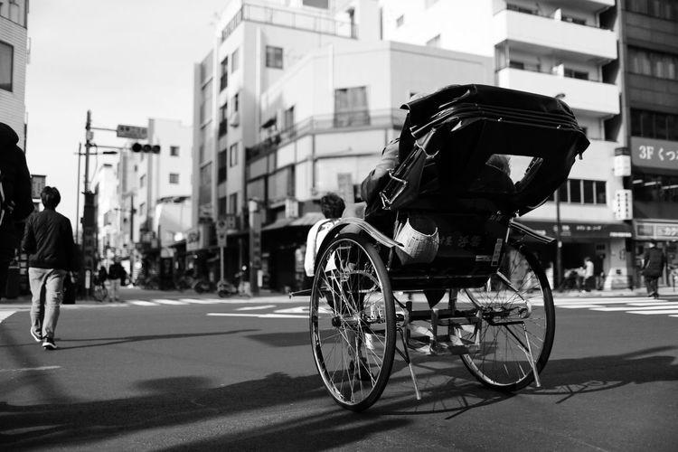 Street Road Real People Tokyo,Japan Beautiful Black And White Black & White Black&white Tokyo EyeEm Best Shots The Week On Eyem Helloworld Adventures In The City The Street Photographer - 2018 EyeEm Awards