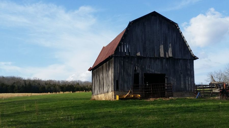 Rough Old Missouri Ozarks United States History 💯 Country Life EyeEm Selects Barn Agriculture Wood - Material Farmhouse Abandoned Rustic House Sky Architecture Grass Shed Agricultural Building Cultivated Land Agricultural Field Farm