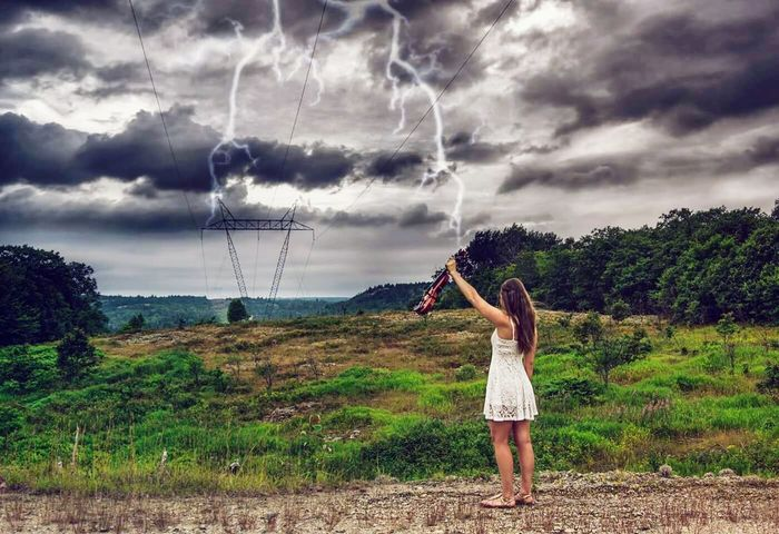 Electric violine Taking Photos Check This Out Stunning Violine  Hotgirl Summertime Cool Pic Canada Lightning Music