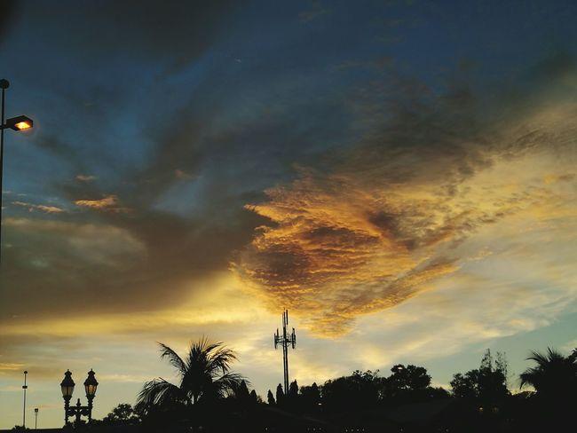 Jerudong park Brunei Darussalam Sunset Silhouettes Cloud - Sky Dramatic Sky Sky Outdoors