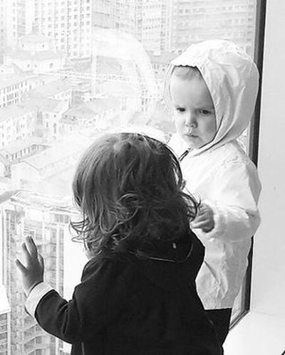 The view Children Milan Milano Building Portrait Blackandwhite Palazzodellaregione City Cityview Skyscraper Italy B_w Bnw Lifestyle
