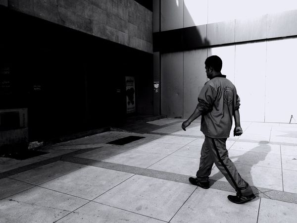 OtW One Man Only Blackandwhite Photographer EyeEm Real People Black&white Streetphoto_bw Urbanlife Blackandwhite Photography Street Photo Streetlifephotography Streetphotographer Streetleaks  EyeEm Selects EyeEmNewHere Architecture Blackandwhitephotography Silhouette People And Places Streetlife Working Dailylife People_bw Tagsforlikes Only Men