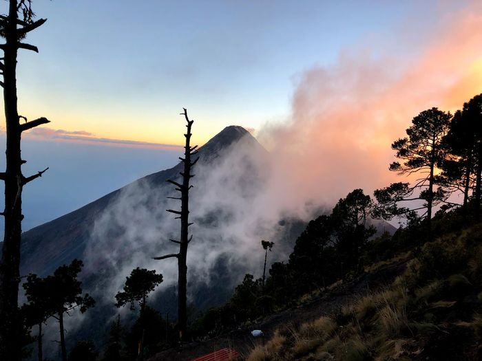 Atadecer Sunset Guatemala Cloud Cloud - Sky Hike Acatenango Volcanic Landscape Volcano Tree Sky Sunset Beauty In Nature Cloud - Sky Nature