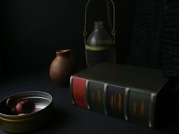 Black Background No People Indoors  Old Lamp Antique Object Pottery Studio Shot Interior Decoration Chestnuts BYOPaper!