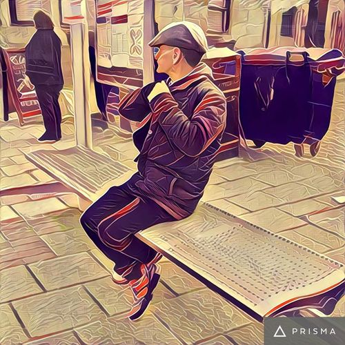 People Watching Waiting For A Bus Prisma