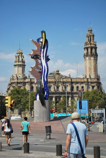 Adult Adults Only Architecture Barcelona Barcelona, Spain Building Catalonia Catalunya City Cityscape Day Flag Full Length Men One Person Outdoor Outdoor Photography Outdoors Outside Outside Photography People Sculpture SPAIN Statue Travel Destinations
