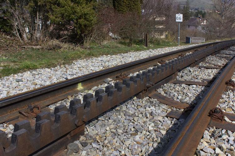 Canon EOS 550D Schienen Schienenstrang Day No People Outdoors Railroad Track Transportation Zahnradbahn