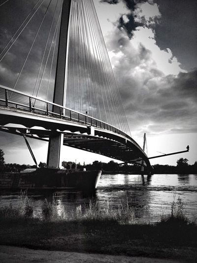 No borders here , just a bridge Black And White Collection  Bnw_captures Blackandwhite Bnw_collection Bnw_friday_eyeemchallenge Bnw_bridges_not_borders Water Sky Cloud - Sky Architecture Built Structure Bridge Transportation Bridge - Man Made Structure
