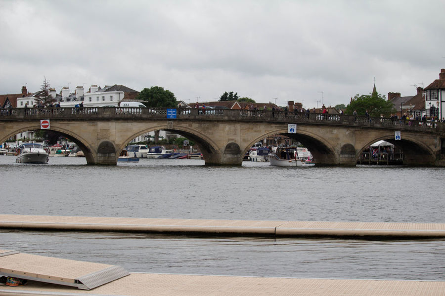 Boat Bridge City Cloudy Henley On Thames Henley Royal Regatta Nautical Vessel River Water