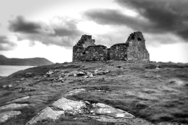 Far and Beyond Ancient Civilization Ancient Ruins Architecture Below Ceapabhal Blackandwhite Photography Built Structure Cloud - Sky EyeEm Nature Lover EyeEmNewHere History Isle Of Harris Scenes Medeival Remains Northern Temple, Scotland Old Ruin Remote Spots Rock - Object Rubh An Teampaill Towards Gob An Tobha