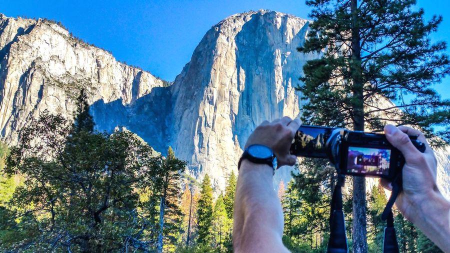 Yosemite National Park First Eyeem Photo Goodvibes Photographing Technology Holding Human Hand Smart Phone Camera Photo Messaging Day Outdoors Sky Nature Photographer Wonderland Explore The World Aroundtheworld Amateurphotography VSCO Vscophile Vsocam Happy Traveller Pictureoftheday EyeEmNewHere Art Is Everywhere