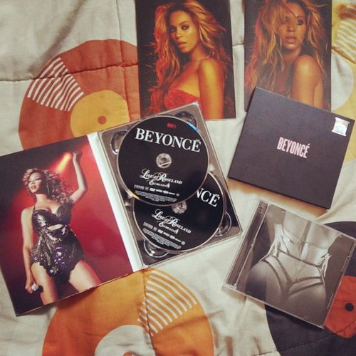 Last Night i was so excited to biy Three beyonce's Disc,but then..... They only had two..... 1> 4 live at roseland 2> BEYONCE, THEY DIDN'T HAVE LIFE IS BUT A DREAM! Someone bought the last one.... Why is this happening to me LORD! But still i enjoyed watching 4 and BEYONCE Music Videoz.... it was a great night,lolz... BeyGood Beyhive  Beyoncecarter Beyonce Yonce 4 beyoncecarter flawless LOL loveyoubeyonce roseland