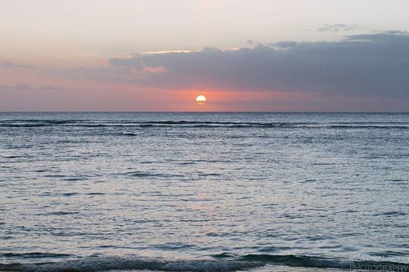 Setting intentions for the week ahead. - Nov 2015   Waikīkī, O'ahu, HI - 😚 Settingintentions Settingsun Sopunny Sundaymindset Positivevibes Positivementalattitude Intentions Sunsets Waikiki Waikiki WaikikiBeach Oahu Hawaiinei Hivibes Beachlife Islandlife Pacificocean Pacificislands Wanderlust Travelgram Travelphotography Sunsetphotography Photoglife Flickrfiles canon7d