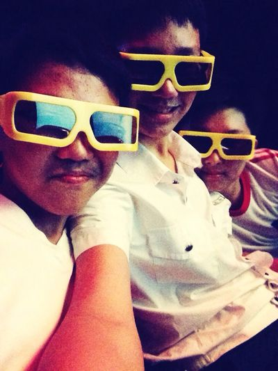 Happy Day❤ V Freinds 6D theaters :D