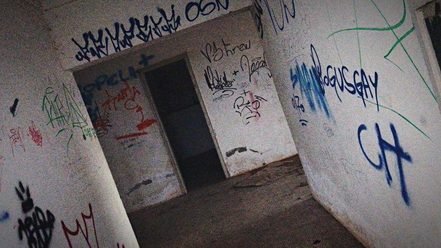 Abandoned Street Velhl Tags Pixacoes Graffite Grafitte Antigo Abandonado Sanatorio Pixo Tag Pixação Hospicio Paisagem Meduna Graffiti Architecture Text Wall - Building Feature Creativity Art And Craft Built Structure