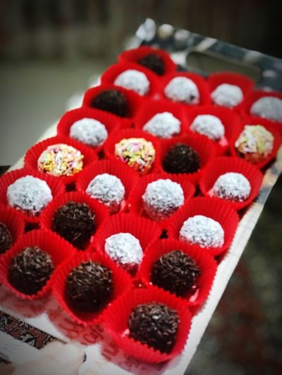 Truffle Sugar Cookies Pasta Mmh Food Red Food And Drink Freshness Close-up Sweet Food No People Still Life Indulgence Temptation Focus On Foreground Berry Fruit White Color Cold Temperature High Angle View In A Row Sweet Indoors  Dessert Fruit