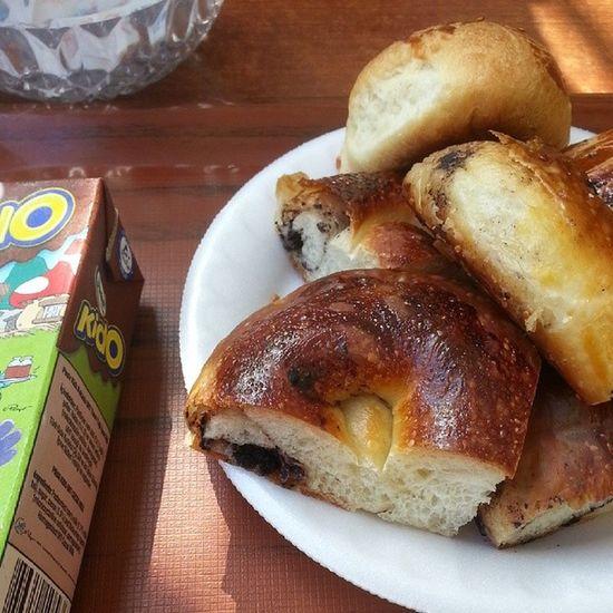 Sabah kahvaltisi 😄Acma Poğaça Kido Kakao Sut