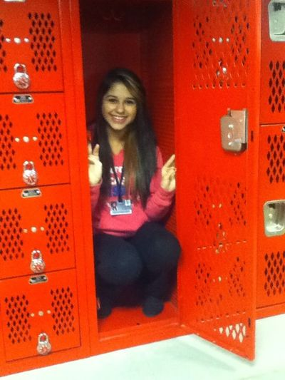 This girl fits in a locker lmaoo