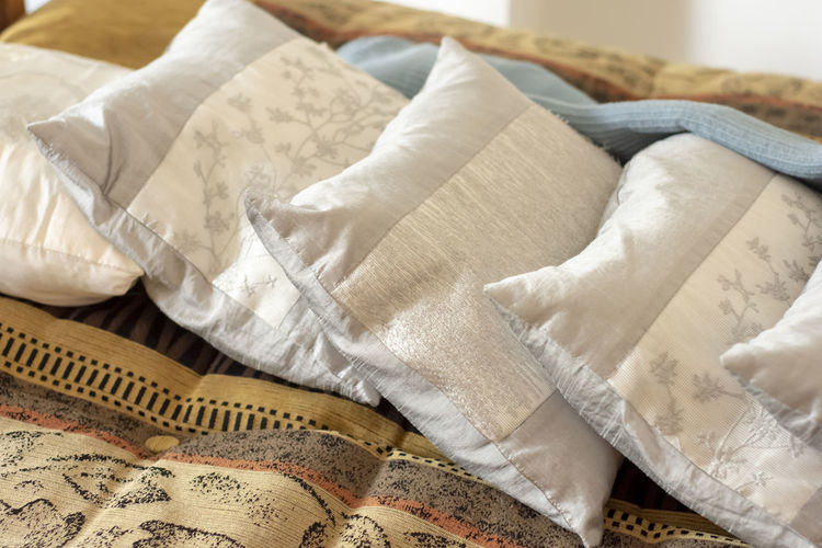 natural pillow Indoors  Textile Bed Furniture Pillow High Angle View Still Life No People Linen Sheet Relaxation Close-up Bedroom White Color Home Interior Domestic Room Paper Crumpled Focus On Foreground Softness