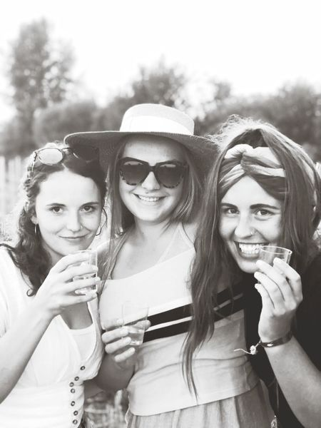 Friendship Young Women Portrait Smiling Women Photography Themes Togetherness Cheerful Happiness Looking At Camera