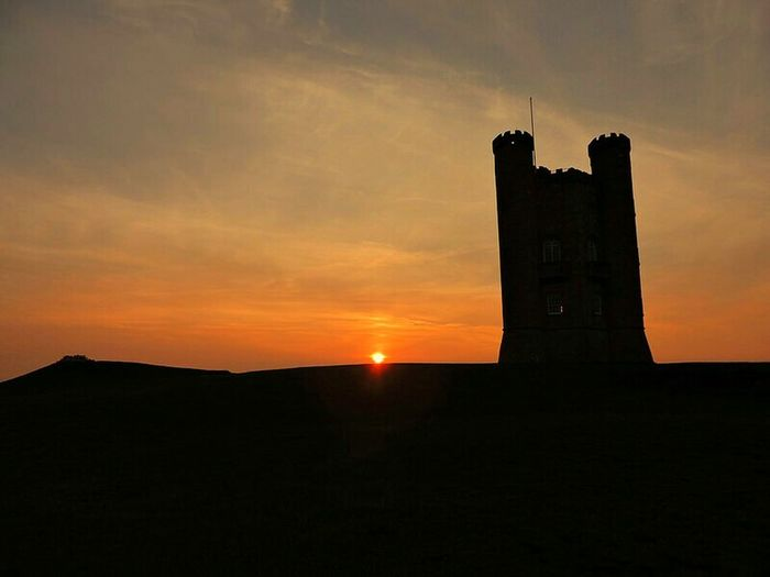 Beautiful Place Nature Photography Beautiful Nature Broadwaytower Cotswolds Sunset Silhouettes Sunsets Sunsetlover Beautiful Sunset Sunsetphotography Sillouette Old Buildings