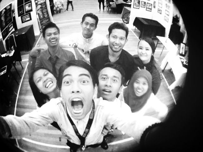 muka terok!!! stress final Exibition dip in Photography Unisel