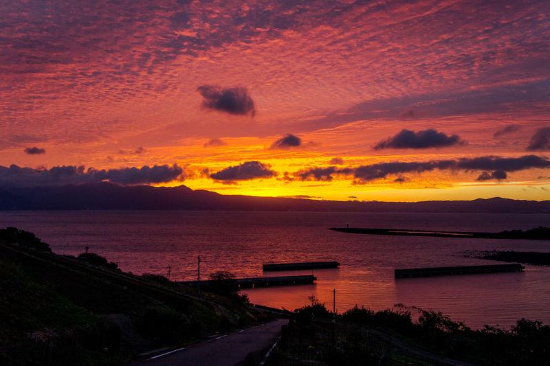 長崎 諫早 朝焼け 空 海 雲 ひつじ雲 羊雲 Sunrise Sky Sea Ocean Clouds Mackerel Sky Sony Sony Nex3