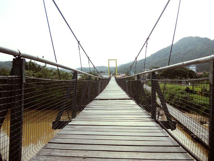 Suspension bridge pathways Footbridge Railing Sky Rope Bridge Suspension Bridge Cable-stayed Bridge Bridge Fence Diminishing Perspective Steel Cable