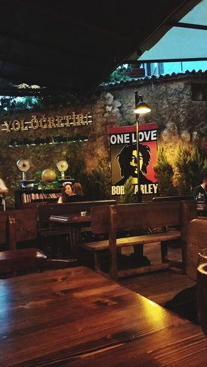 Varunagezgin Bob Marley Socializing Wood - Material