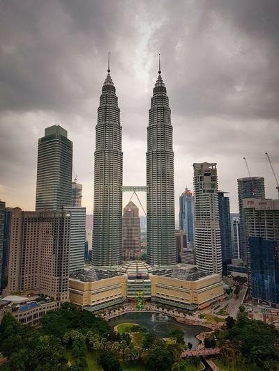 Klcc KLCC Tower KLCC Twin Towers KLCC Park Klccpark KLCCTwinTower KLCC❤❤ Malaysia Kuala Lumpur Kuala Lumpur Malaysia  Samsungphotography Samsung Galaxy S7 Edge