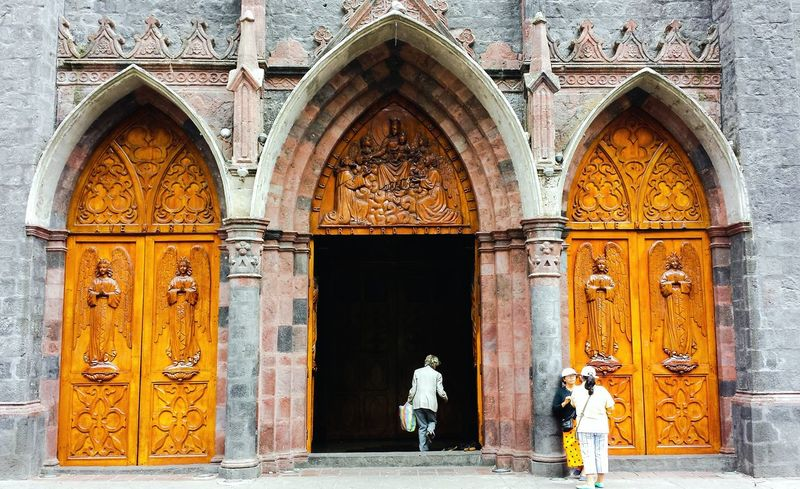 Cuenca, Ecuador Architecture Built Structure Building Exterior Entrance Door Arch Outdoors Façade Full Length Catherdral Historical Place Natural Streetphotography Southamerica Tropical Climate City Life Vacations