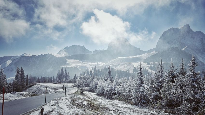 ...Herbst?!! Cold Temperature Mountain Range Beauty In Nature Snowcapped Mountain Nice View First Snow Autumnsnow Nature Photography Interesting Perspectives
