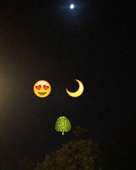 Half moon tonight😱😁🌙😍💕💕