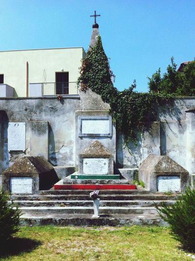 Cimitero dei caduti garibaldini a Sant'Angelo in Formis Trekking Italy History Garibaldini Graveyard Beauty