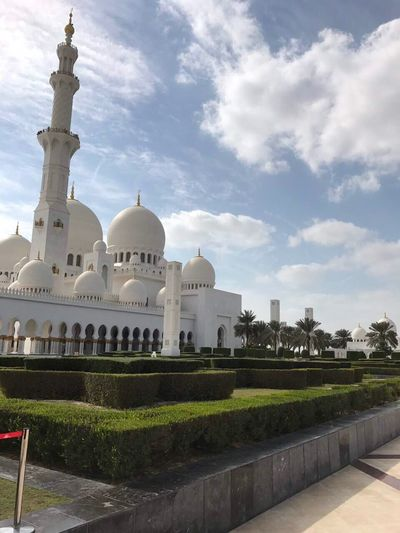 Abu Dhabi Mosque Sky Building Exterior Travel Destinations Religion City Architecture Day 2017 EyeEm Gallery Womanphotographer Travel EyeEmBestPics UAE Vacations Built Structure EyeEm Best Shots Luxury Beautiful Beautifulmosque Great View Bigmosque Outdoors
