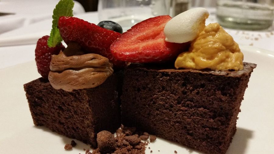 Dessert Bollarobi Finedining Fine Art Photography Foodphotography Foodpron Foodstyling Foodstagram Gasztrometer Food And Drink Gourmet Agoraetteremtatabanya