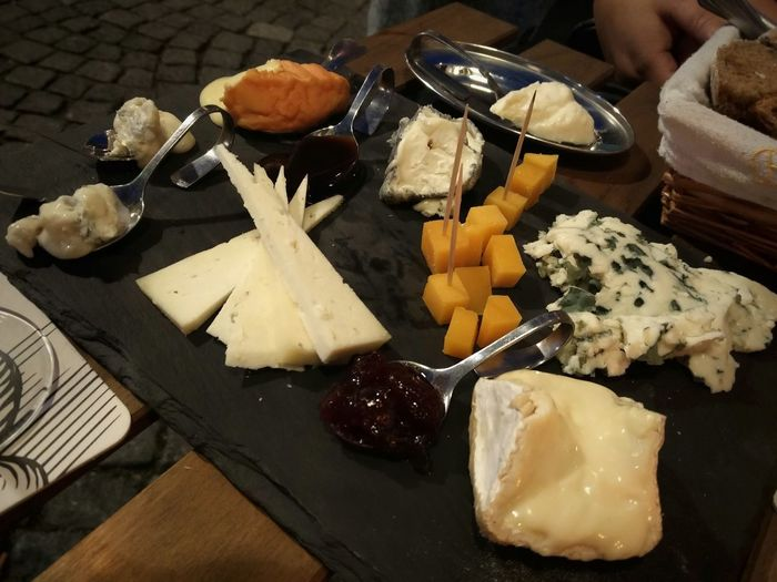 Cheese Table Cheese Sorts Koestraat Maastricht Relaxing Enjoying Life Taking Photos