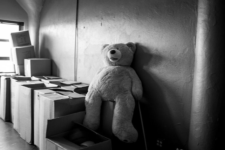 Blackandwhite Documentary Photography Fujifilm_xseries Fujifilm Fujix100f Photo444 Black And White Light And Shadow Indoors  Seat Home Interior Wall - Building Feature