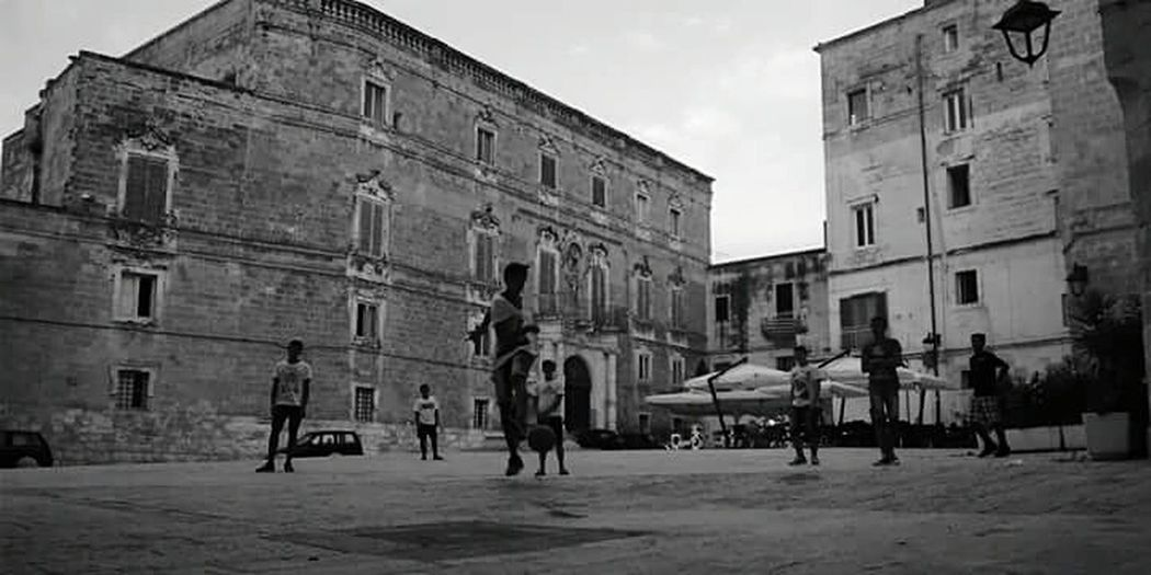 Southitaly Oldtown Kidsatplay Reallife Ancient Town PlaySoccer Puglia South Italy Monopoli
