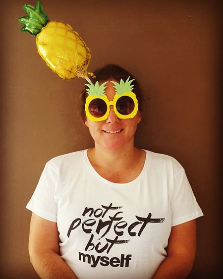 Not Perfect But Myself One Person Front View Portrait T-shirt Text People Photography Eyeem People Looking At Camera One Woman Only Enjoying Life Pupparazzi Sommergefühle Happiness Pineapple🍍 Pineapples Sunglasess Ananas Nobody's Perfect Sunglasses On Sonnenbrille Mix Yourself A Good Time Paint The Town Yellow Second Acts Be. Ready. Love Yourself Press For Progress