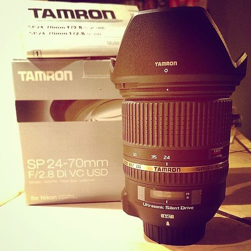 Goodies in the mail today!! Oh my it's so perrrtty 😍 😁 Now to play with it! 😜 Tamron Tamron2470 NikonD5100 Nikon d5100 📷