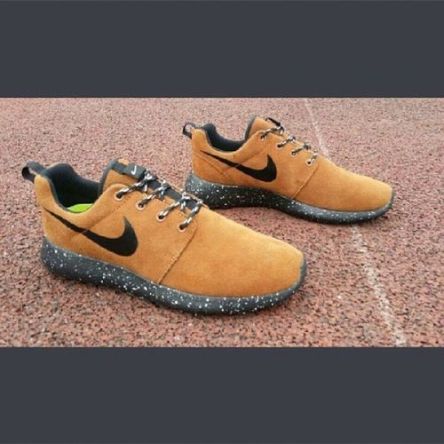 wish list for christmas present Nikelover Sneakerslover Rosherun Nike chocolate .