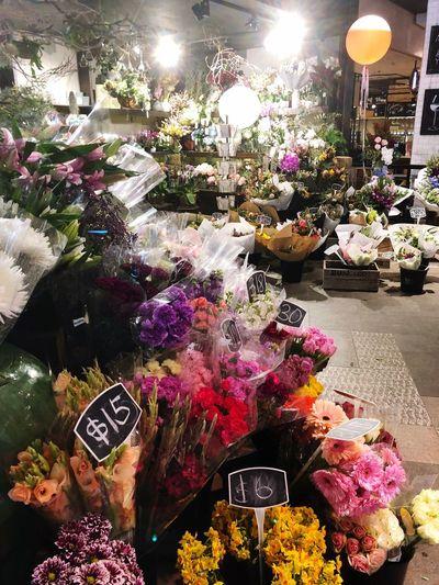 Fresh Flowers 💐 Sunday Shopping Plant Flowering Plant Flower Fragility Nature Vulnerability  Freshness Illuminated For Sale Arrangement Multi Colored Flower Arrangement Flower Head